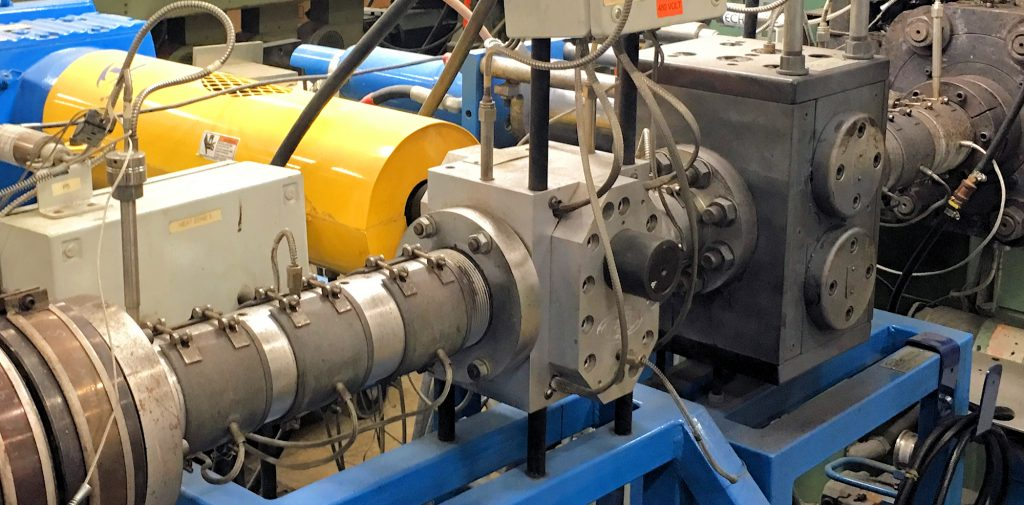 Polymer Extrusion Screen Changer with Gear Pump System in plant