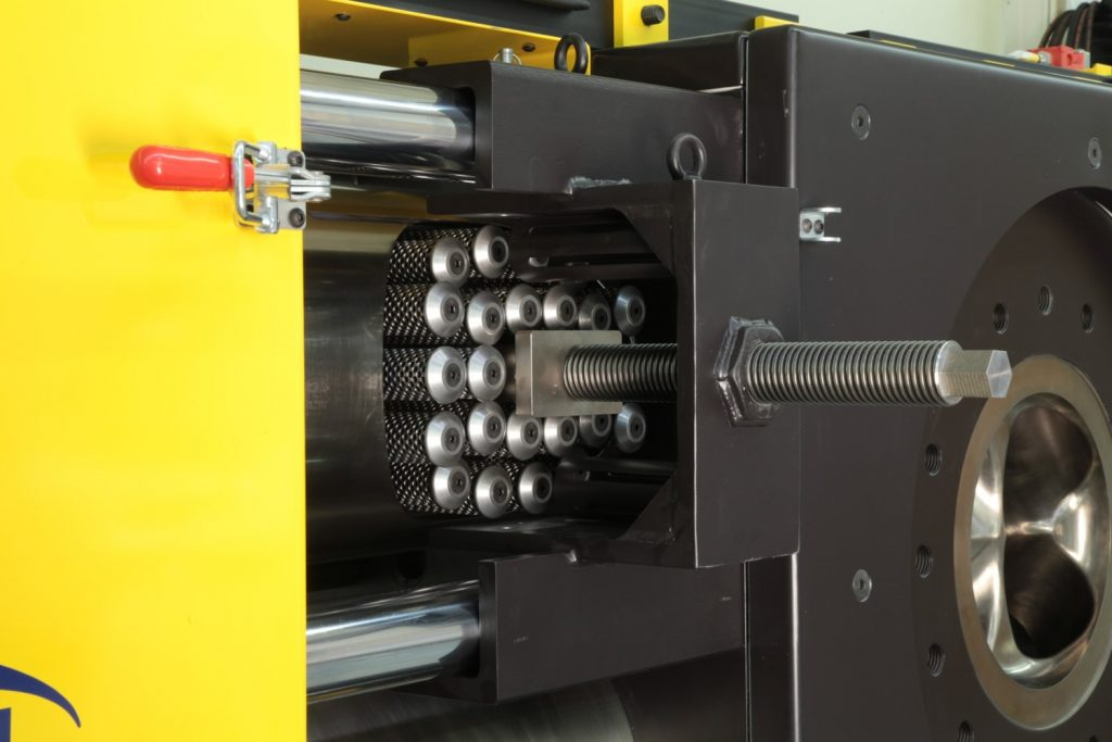 Polymer Extrusion Extended Area Screen Changer (EAC) Melt Filter Removal Tool